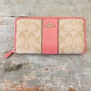 ♥️ Coach ♥️ Tan & Pink Leather Wallet